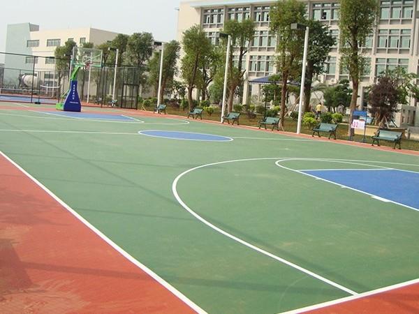 塑胶球场建设为何选用硅PU球场材料?【德朝体育】