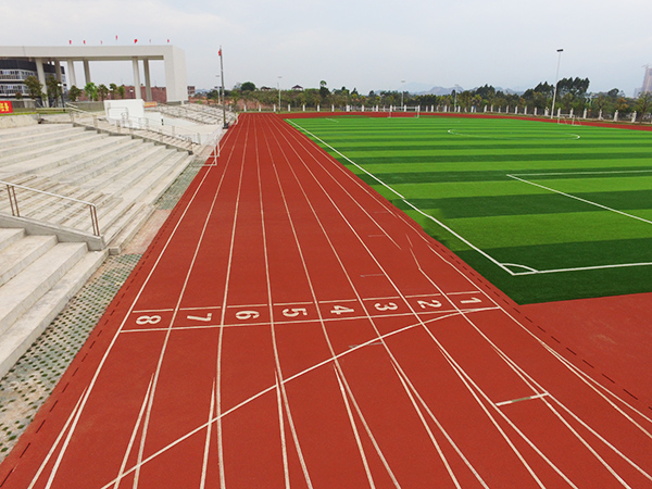 德朝体育学校塑胶跑道